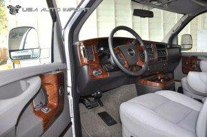 Chevrolet Explorer Conversion Van 06 l