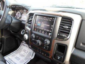 2015 Dodge Ram 1500 Laramie Crew Cab 4x4 02