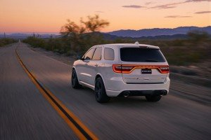 2018-dodge-durango-srt-08